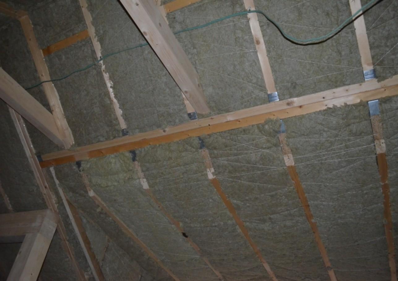 Šlaitinių stogų šiltinimas 1